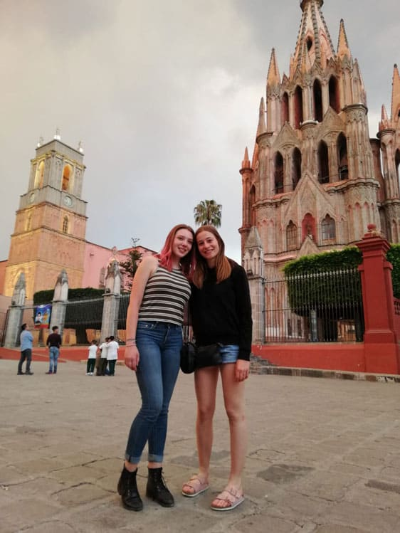 Young women from cast of Up with People in Mexico